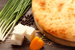 Осетинский пирог с сыром и зеленым луком