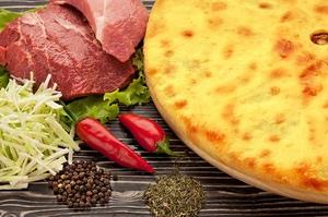 Осетинский пирог с мясом традиционный (с рубленным мясом)